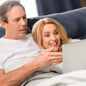 Сайты знакомств: кто там сидит