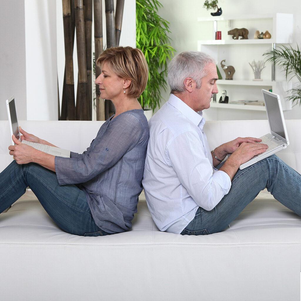 Преимущества и недостатки онлайн-знакомств