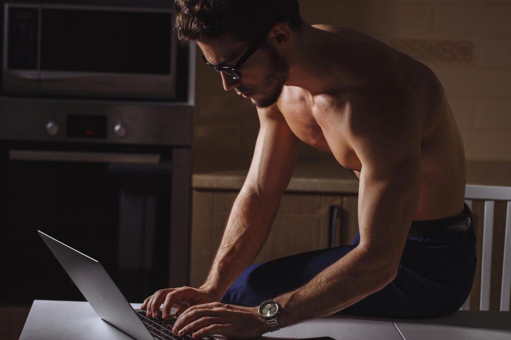 Сайты знакомств для геев