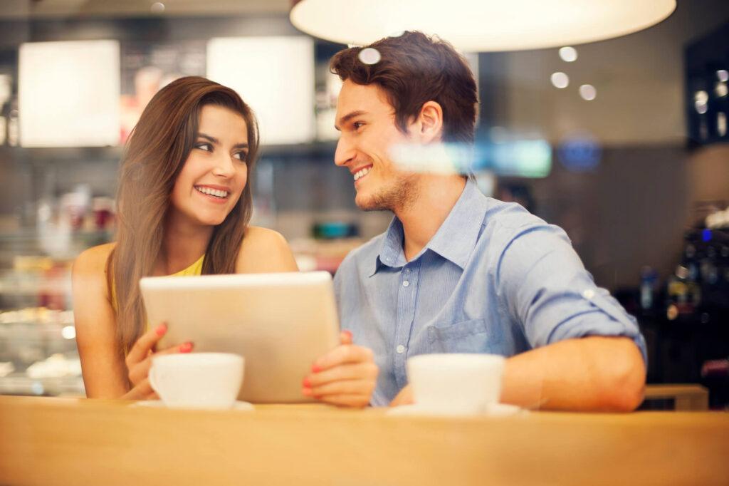 Сайты знакомств для флирта с парнями: как найти лучший